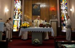 Harmath Károly atya búcsúi áldásban részesítette az egybegyűlteket