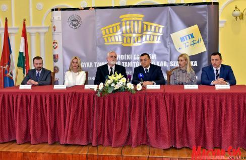 Dr. Námesztovszki Zsolt, Katarina Kovačević, dr. Ivanović Josip, dr. Zoran  Milošević, Nela Milišić és dr. Halasi Szabolcs a sajtótájékoztatón